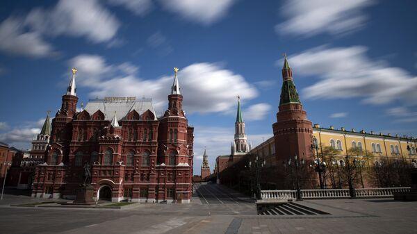 Вид на  Кремль, Исторический музей и памятник маршалу  Жукову на Манежной площади