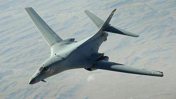 Стратегический бомбардировщик ВВС США B-1 Lancer