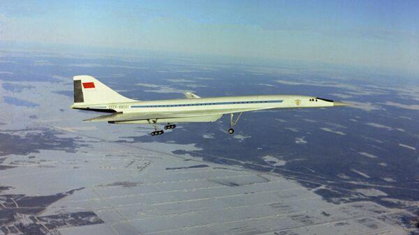 Первый экспериментальный полет опытного, сверхзвукового, магистрального, пассажирского самолета ТУ-144