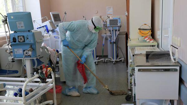 Санобработка палаты стационара для больных с коронавирусной инфекцией на базе Тверской областной клинической больницы