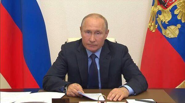 Путин пошутил о пугающем образе гуманизированных мышей