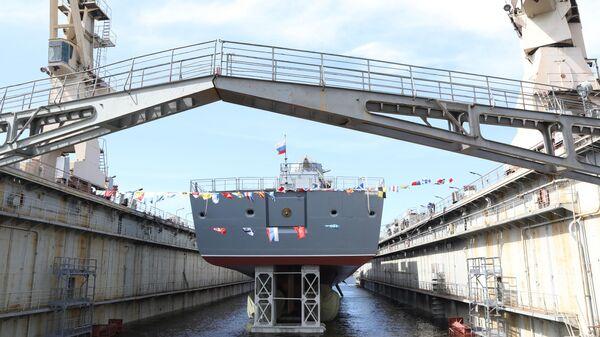 Спуск на воду фрегата Адмирал Головко на судостроительном заводе Северная верфь в Санкт-Петербурге