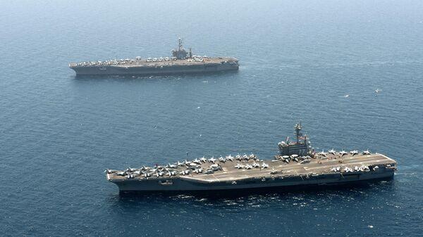 Авианосцы ВМС США USS Harry S. Truman и USS George H. W. Bush
