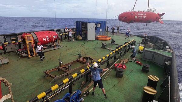Российский подводный беспилотник Витязь-Д впервые достиг дна Марианской впадины