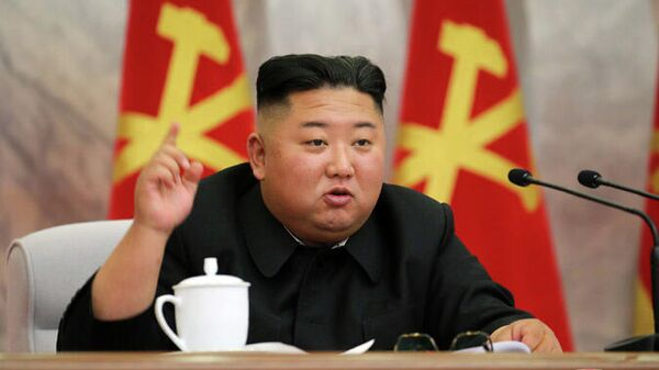 Председатель Трудовой партии Кореи Ким Чен Ын на заседании Центрального военного комитета
