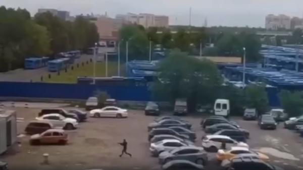 Появилось видео со стрельбой на юге Москвы