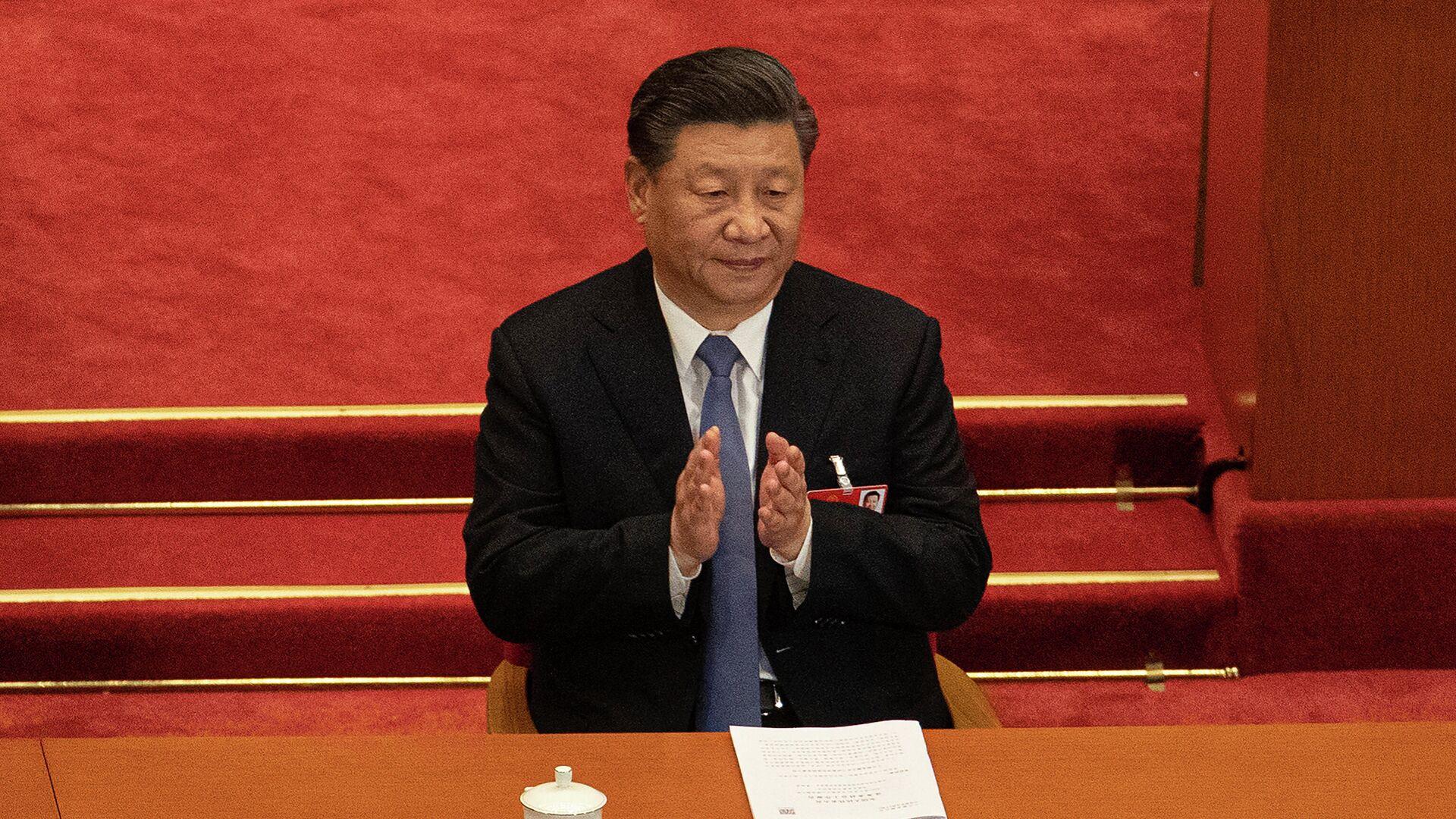 Председатель КНР Си Цзиньпин во время заседания Всекитайского собрания народных представителей в Пекине - РИА Новости, 1920, 11.02.2021