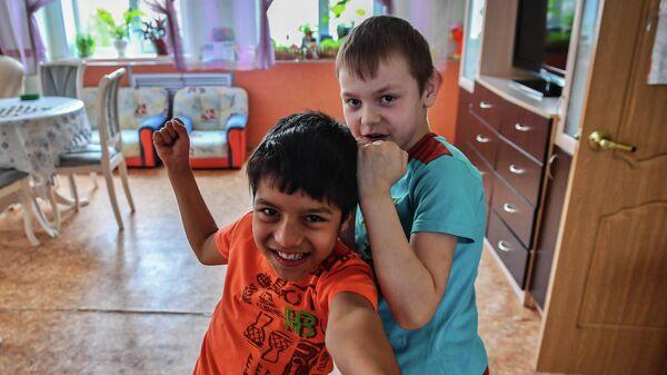 Надень панамку и измени одну жизнь: стартовал благотворительный флешмоб