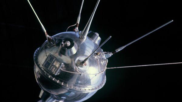Межпланетная станция Луна-1, представленная в павильоне Космос на ВДНХ