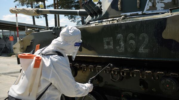 Дезинфекция военной техники для участия в параде Победы в Екатеринбурге