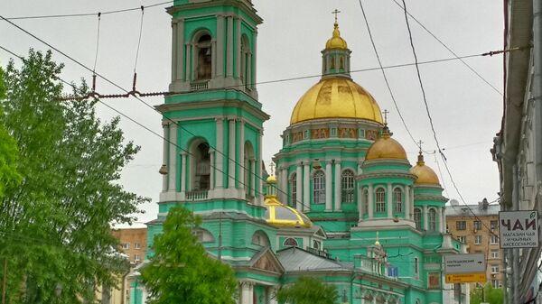 Богоявленский собор в Елохове открылся для верующих после эпидемии COVID-19. Москва, 2.06.2020