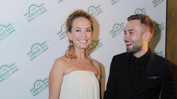 Певица Жанна Фриске и Дмитрий Шепелев на церемонии открытия 34-го Московского Международного кинофестиваля