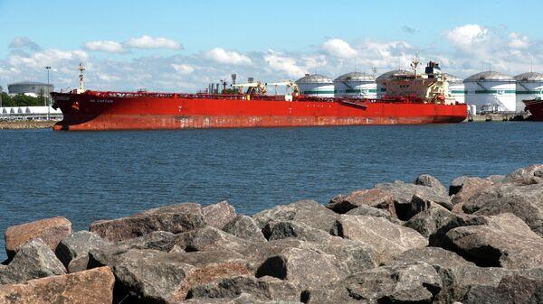 Танкер с американской нефтью для Белоруссии в порту Клайпеды