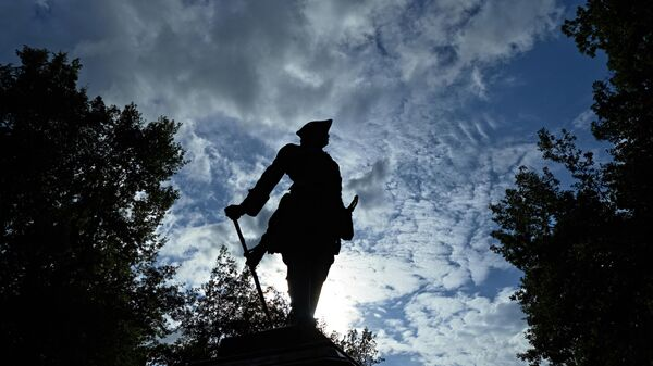 Памятник Петру I в Нижнем парке Государственного музея-заповедника Петергоф