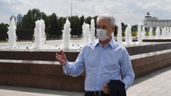 Мэр Москвы Сергей Собянин на церемонии открытия фонтанов на Поклонной горе в Москве