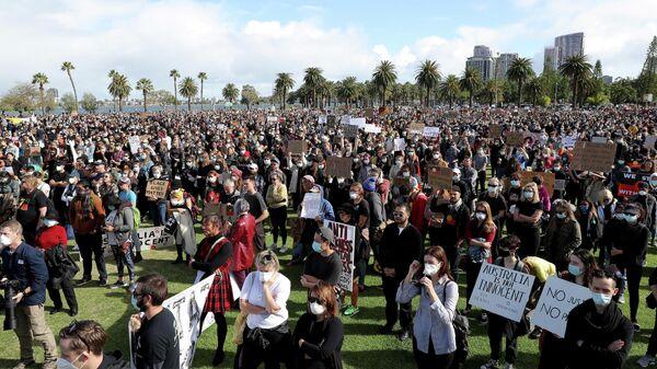 Участники акции Black Lives Matter в Перте, Австралия