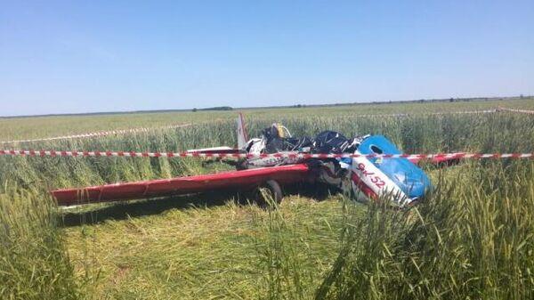 На месте крушения легкомоторного самолета в Кинельском районе Самарской области