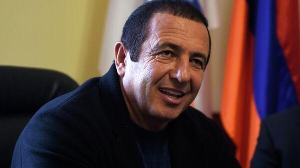 Руководитель партии Процветающая Армения, глава фракции Царукян Гагик Царукян.