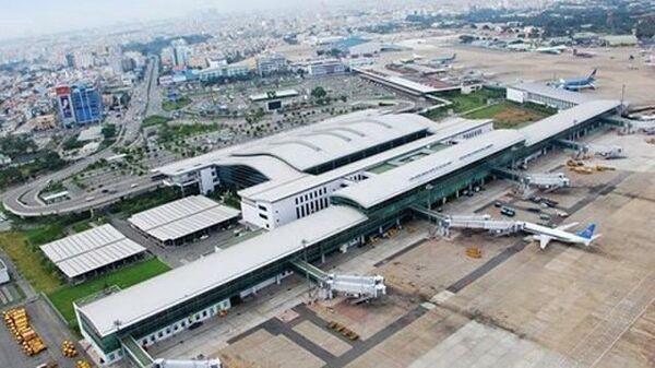 Самолеты в аэропорту Таншоннят во Вьетнаме