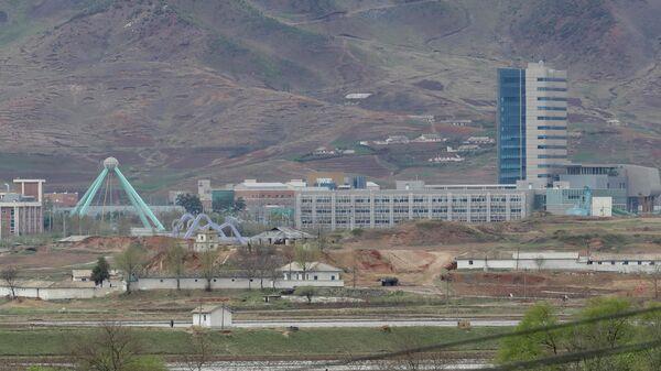 Промышленный комплекс в городе Кэсон, КНДР