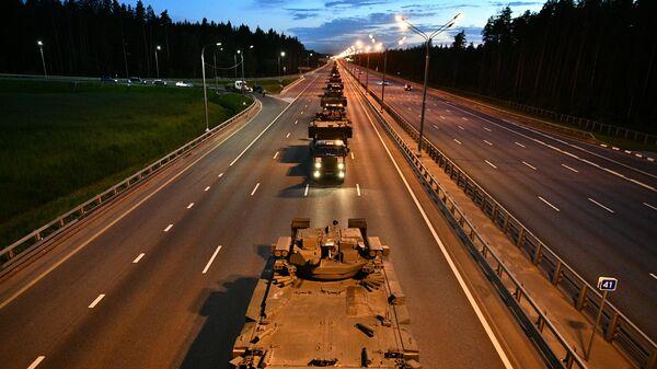 Военная техника, которая примет участие в параде Победы на Красной площади 24 июня, во время движения к Москве