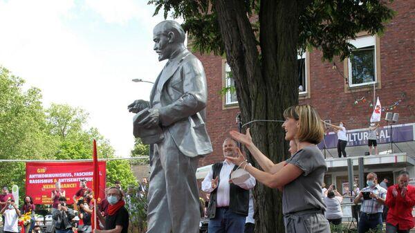 Двухметровая статуя Владимира Ленина установлена в городе Гельзенкирхен по инициативе Максистско-ленинской партии Германии