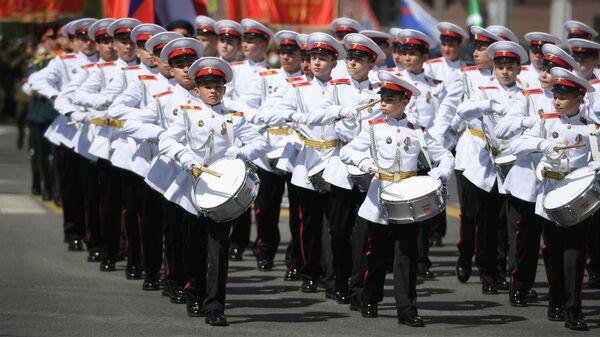 Военнослужащие парадных расчетов на военном параде в ознаменование 75-летия Победы в Великой Отечественной войне 1941-1945 годов на площади Свободы в Казани