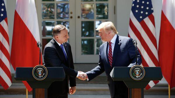 Президент США Дональд Трамп и президент Польши Анджей Дуда во время пресс-конференции