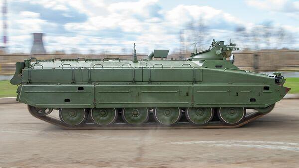Военный тягач МТ-ЛБ