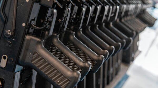 Завод, входящий в состав НПО Нейтрон по производству автоматов Калашникова в Ереване