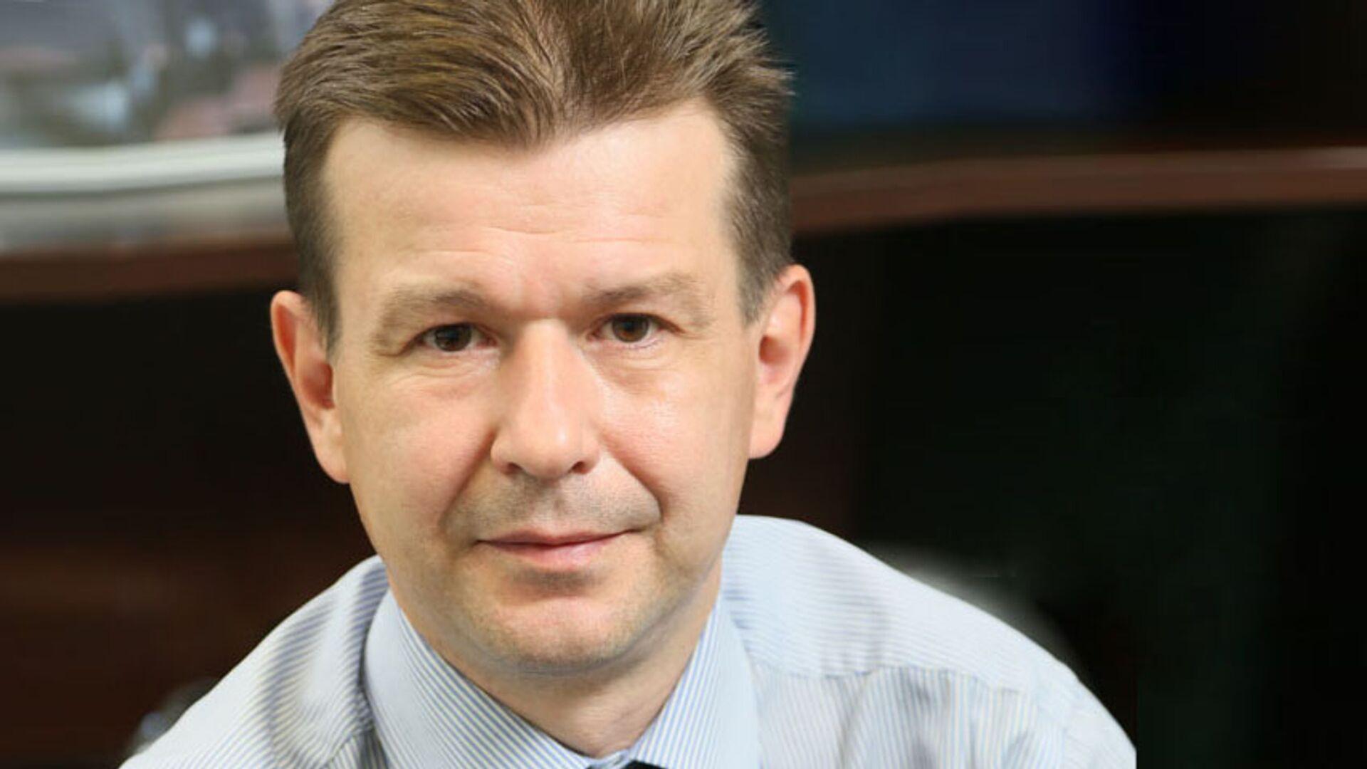 Глава департамента развития IT-архитектуры банка ВТБ Илья Старостин - РИА Новости, 1920, 10.07.2020