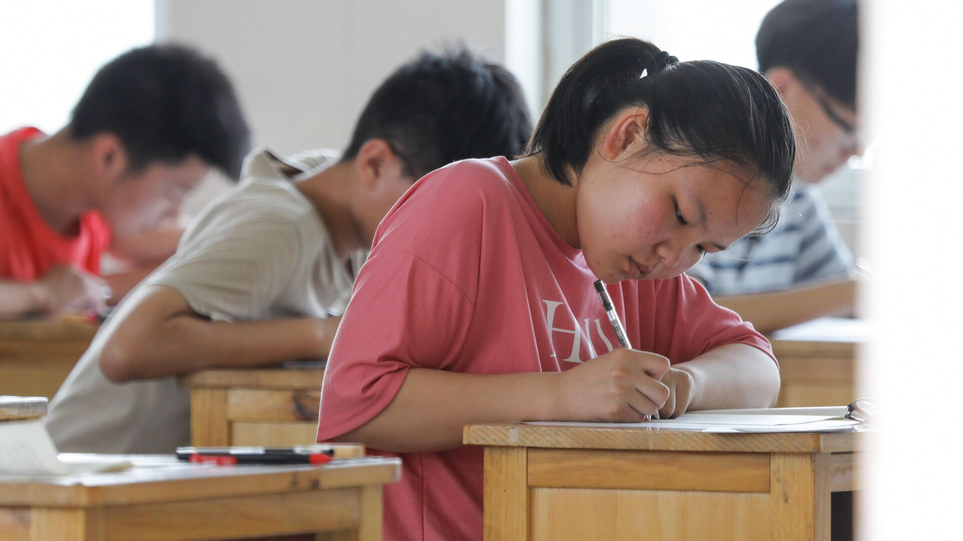 Китайские школьники во время экзамена - РИА Новости, 1920, 05.08.2021