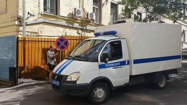 Кадры отъезда машины с Сергеем Фургалом от здания Басманного суда