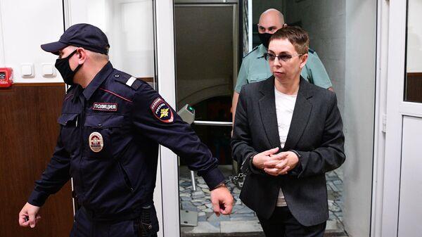 Акушер-гинеколог роддома №3 Лилия Панаиоти, обвиняемая по делу о торговле детьми от суррогатных матерей, в Басманном суде Москвы