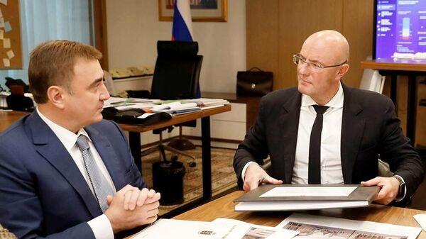 Губернатор Тульской области Алексей Дюмин во время совещания