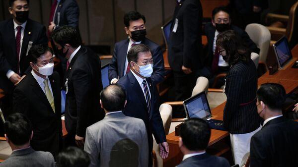 Президент Южной Кореи Мун Чжэ Ин после выступления на церемонии открытия Национального Собрания в Сеуле