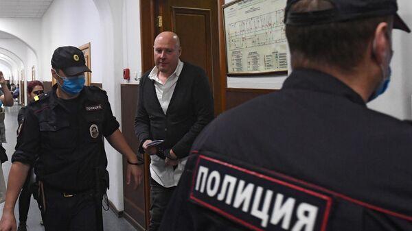 Генеральный директор центра суррогатного материнства Владислав Мельников в Басманном суде