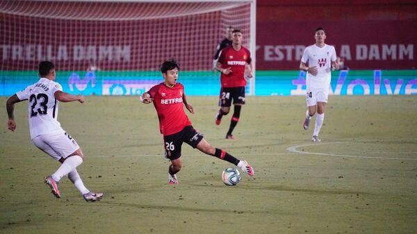 Игровой момент матча Мальорка - Гранада