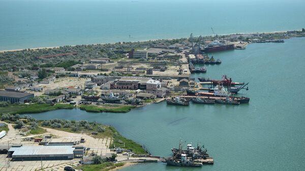 Судостроительный завод Залив в Керчи