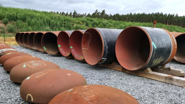 Трубы на наземном стыковочном пункте газопровода Северный поток-2 в Любмине