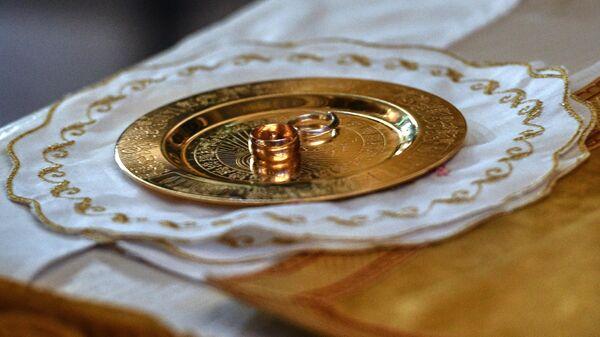 В РПЦ рассказали о непрочности браков между верующим и неверующим