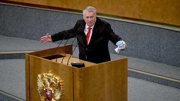 Владимир Жириновский выступает на пленарном заседании Государственной Думы РФ