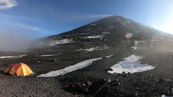 Поисково-спасательная операция МЧС на Ключевском вулкане