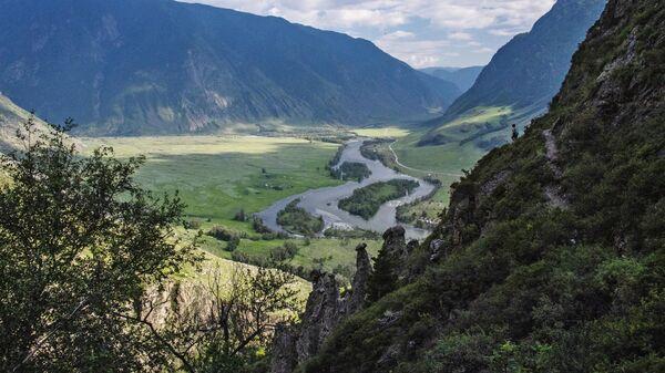 Долина реки Чулышман в Республике Алтай