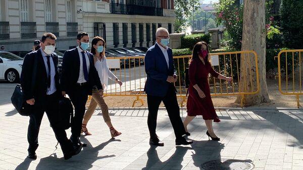 Группа адвокатов Джулиана Ассанжа у Национального суда Испании в Мадриде