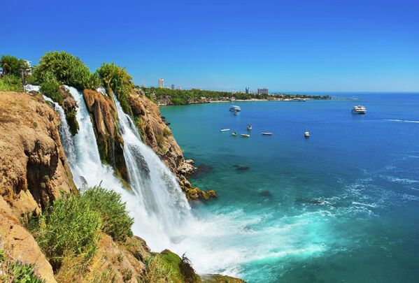 Водопад Дуден в Анталии, Турция