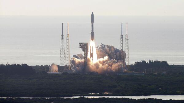 Старт ракеты-носителя Atlas V с исследовательским ровером Perseverance на мысе Канаверал