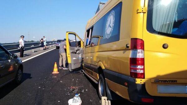 ДТП с участием микроавтобуса в Крыму