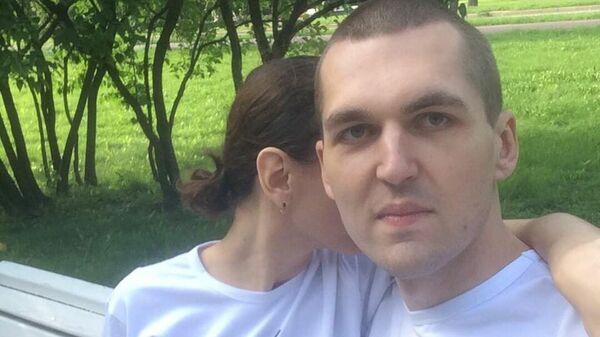 Рэпер Энди Картрайт с женой