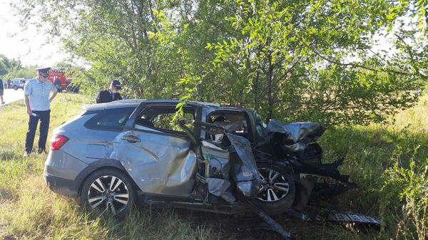 Последствия ДТП в Безенчукском районе на первом километре автодороги Самара – Волгоград